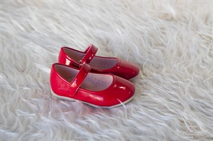 Red patent leather girls shoes